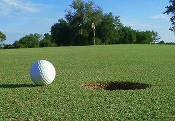 Mitä kuka tahansa voi oppia golfkurssin käymisestä